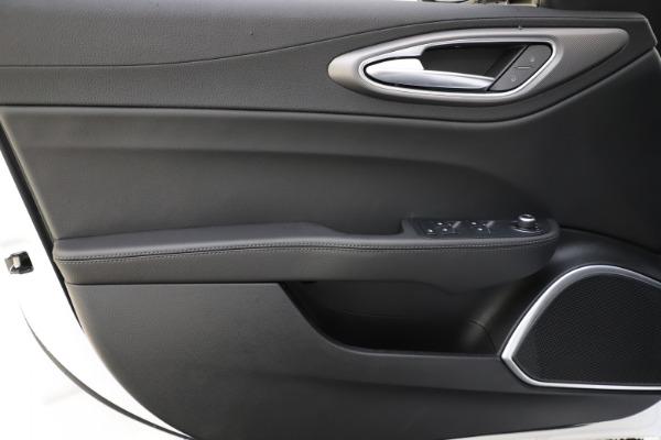 New 2020 Alfa Romeo Giulia Sport Q4 for sale $45,345 at Bugatti of Greenwich in Greenwich CT 06830 17