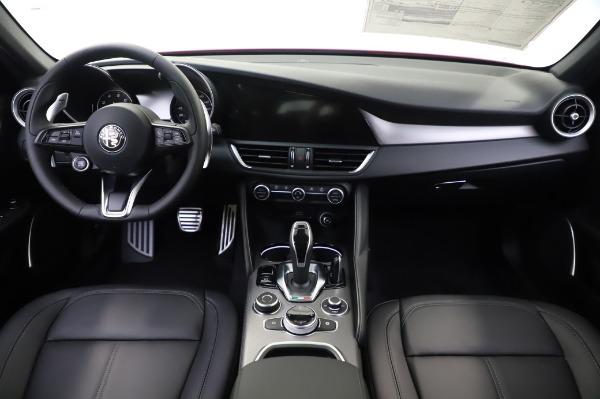 New 2020 Alfa Romeo Giulia Sport Q4 for sale $48,895 at Bugatti of Greenwich in Greenwich CT 06830 19