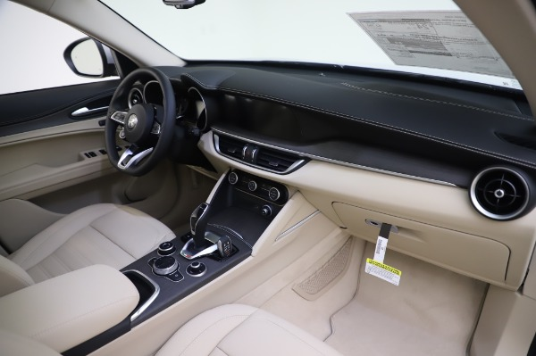New 2020 Alfa Romeo Stelvio Ti Lusso Q4 for sale Sold at Bugatti of Greenwich in Greenwich CT 06830 26