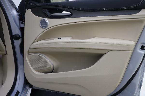 New 2020 Alfa Romeo Stelvio Ti Lusso Q4 for sale Sold at Bugatti of Greenwich in Greenwich CT 06830 27