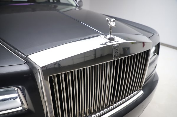 Used 2014 Rolls-Royce Phantom for sale $219,900 at Bugatti of Greenwich in Greenwich CT 06830 15