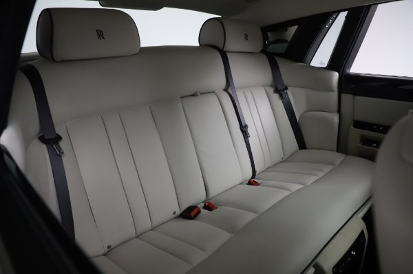 Used 2014 Rolls-Royce Phantom for sale $219,900 at Bugatti of Greenwich in Greenwich CT 06830 20