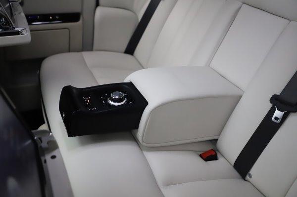 Used 2014 Rolls-Royce Phantom for sale $219,900 at Bugatti of Greenwich in Greenwich CT 06830 26