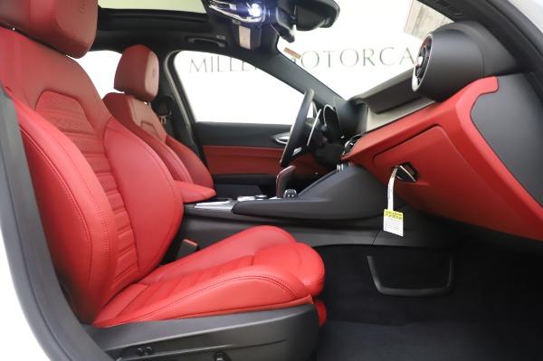 New 2020 Alfa Romeo Giulia Ti Sport Q4 for sale $46,495 at Bugatti of Greenwich in Greenwich CT 06830 23