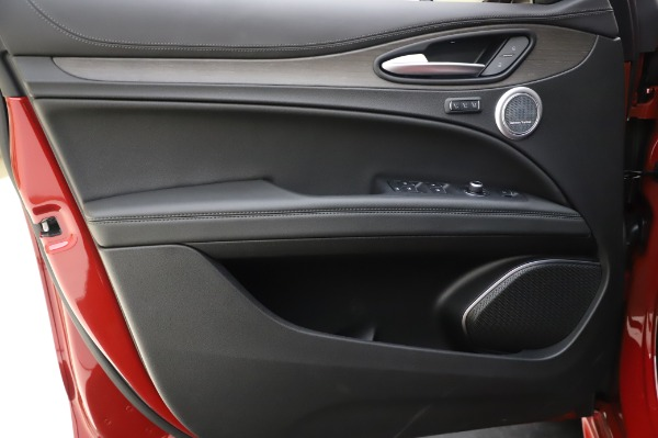 New 2020 Alfa Romeo Stelvio Ti Lusso Q4 for sale Sold at Bugatti of Greenwich in Greenwich CT 06830 19