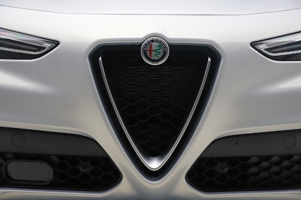 New 2020 Alfa Romeo Stelvio Ti Lusso Q4 for sale $54,145 at Bugatti of Greenwich in Greenwich CT 06830 13