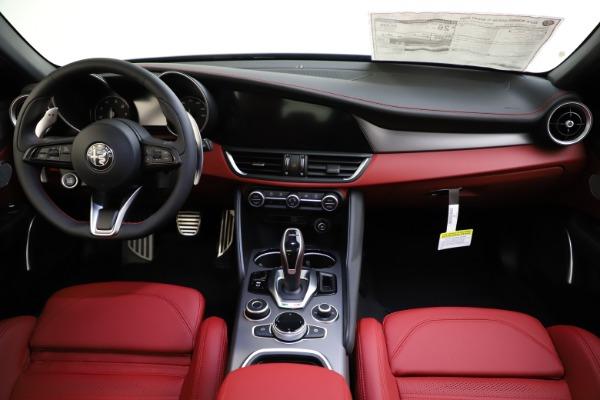 New 2020 Alfa Romeo Giulia Ti Sport Q4 for sale $48,595 at Bugatti of Greenwich in Greenwich CT 06830 16