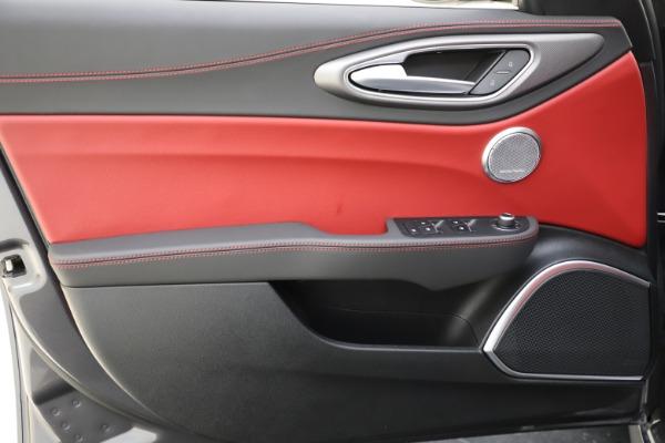 New 2020 Alfa Romeo Giulia Ti Sport Q4 for sale $48,595 at Bugatti of Greenwich in Greenwich CT 06830 17