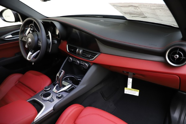 New 2020 Alfa Romeo Giulia Ti Sport Q4 for sale $48,595 at Bugatti of Greenwich in Greenwich CT 06830 24