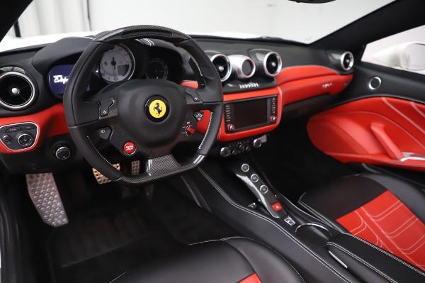 Used 2015 Ferrari California T for sale $159,900 at Bugatti of Greenwich in Greenwich CT 06830 15