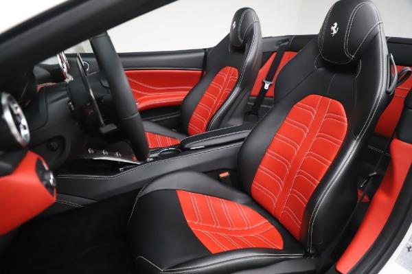 Used 2015 Ferrari California T for sale $159,900 at Bugatti of Greenwich in Greenwich CT 06830 17