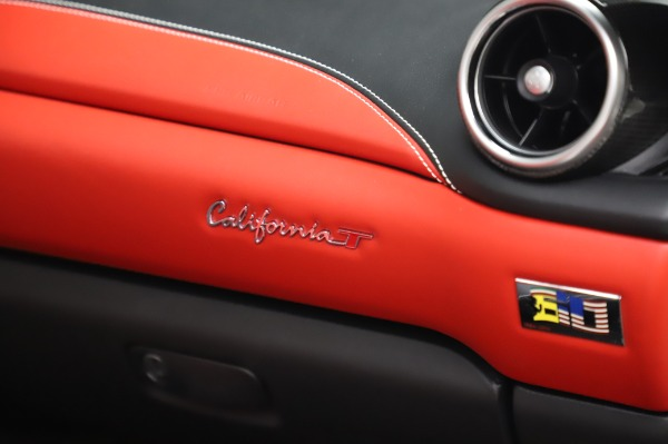 Used 2015 Ferrari California T for sale $159,900 at Bugatti of Greenwich in Greenwich CT 06830 26
