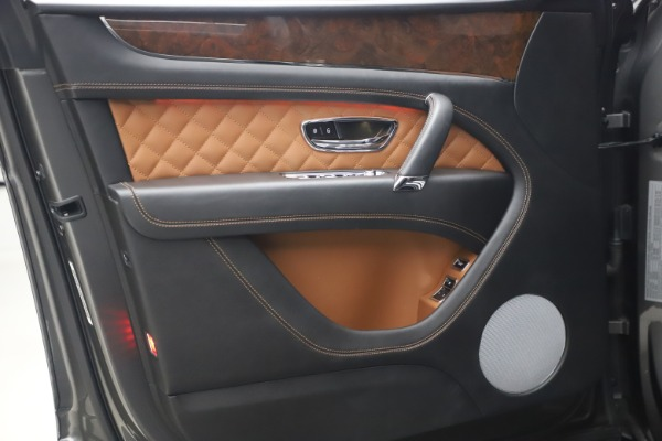 Used 2018 Bentley Bentayga Activity Edition for sale $156,900 at Bugatti of Greenwich in Greenwich CT 06830 16