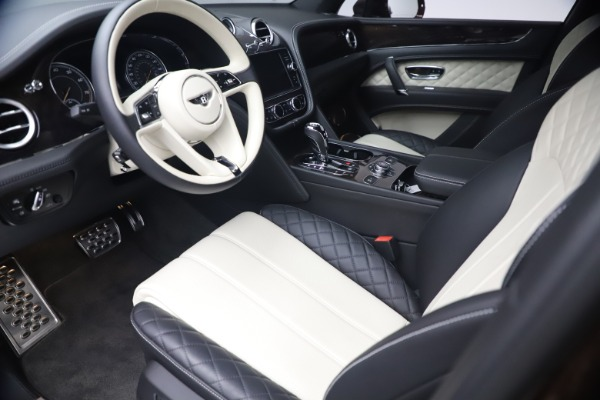 Used 2020 Bentley Bentayga V8 for sale $186,900 at Bugatti of Greenwich in Greenwich CT 06830 17