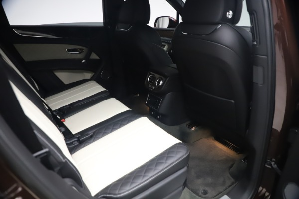 Used 2020 Bentley Bentayga V8 for sale $186,900 at Bugatti of Greenwich in Greenwich CT 06830 28