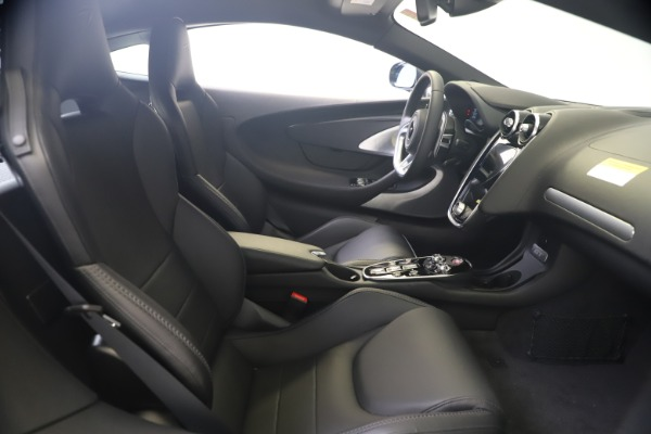 New 2020 McLaren GT Luxe for sale $247,125 at Bugatti of Greenwich in Greenwich CT 06830 18