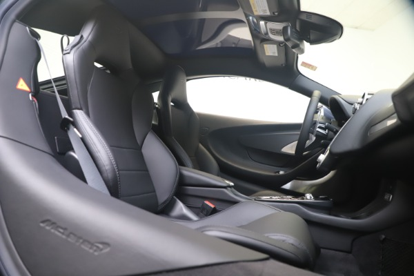 New 2020 McLaren GT Luxe for sale $247,125 at Bugatti of Greenwich in Greenwich CT 06830 19
