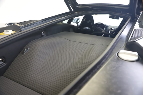 New 2020 McLaren GT Luxe for sale $247,125 at Bugatti of Greenwich in Greenwich CT 06830 20