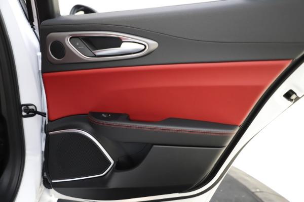 New 2020 Alfa Romeo Giulia Ti Sport Q4 for sale $52,395 at Bugatti of Greenwich in Greenwich CT 06830 28