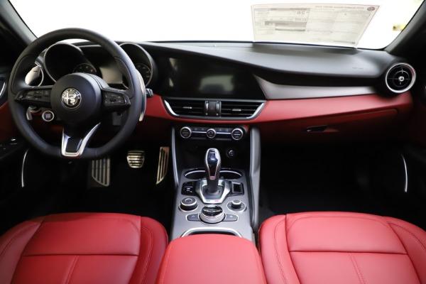 New 2020 Alfa Romeo Giulia Sport Q4 for sale Sold at Bugatti of Greenwich in Greenwich CT 06830 16
