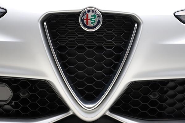 New 2020 Alfa Romeo Giulia Sport Q4 for sale Sold at Bugatti of Greenwich in Greenwich CT 06830 27