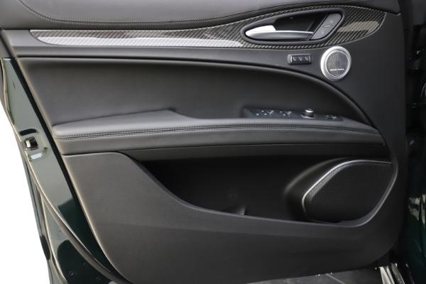 New 2020 Alfa Romeo Stelvio Ti Sport Carbon Q4 for sale Sold at Bugatti of Greenwich in Greenwich CT 06830 17