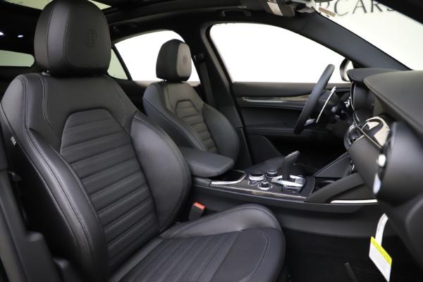 New 2020 Alfa Romeo Stelvio Ti Sport Carbon Q4 for sale Sold at Bugatti of Greenwich in Greenwich CT 06830 22