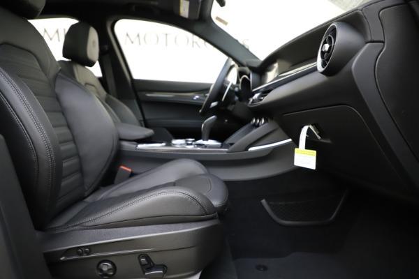 New 2020 Alfa Romeo Stelvio Ti Sport Carbon Q4 for sale Sold at Bugatti of Greenwich in Greenwich CT 06830 23