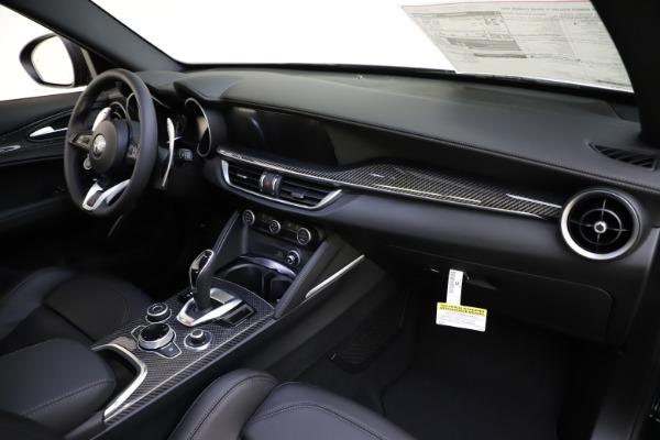 New 2020 Alfa Romeo Stelvio Ti Sport Carbon Q4 for sale Sold at Bugatti of Greenwich in Greenwich CT 06830 24