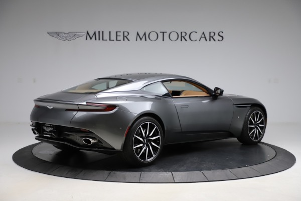 Used 2017 Aston Martin DB11 for sale $155,900 at Bugatti of Greenwich in Greenwich CT 06830 7