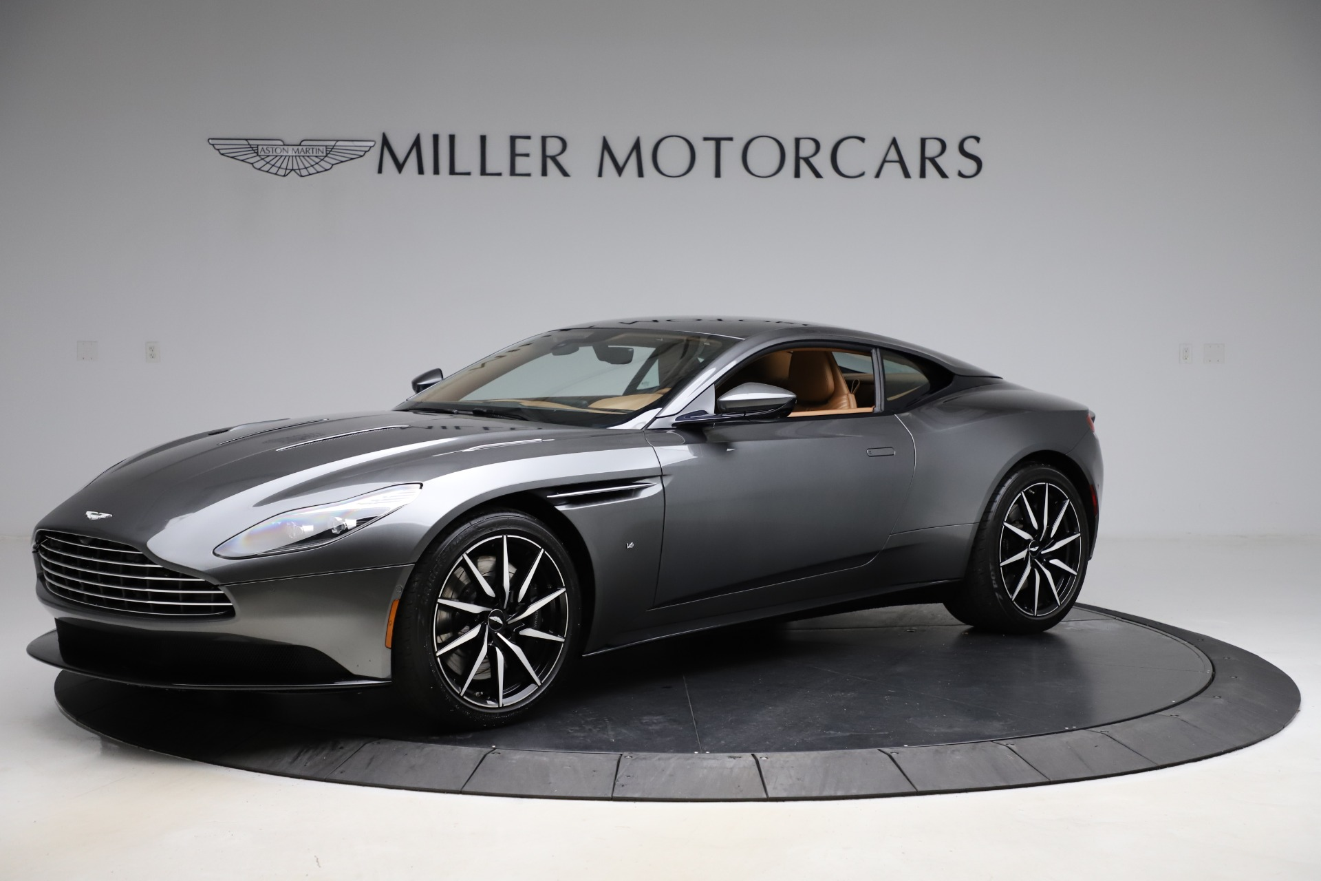 Used 2017 Aston Martin DB11 for sale $155,900 at Bugatti of Greenwich in Greenwich CT 06830 1