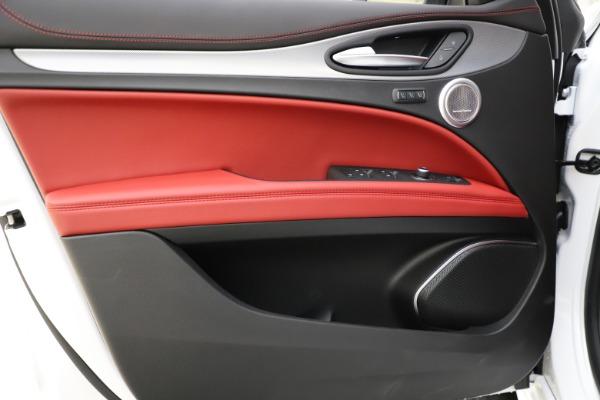 New 2020 Alfa Romeo Stelvio Ti Sport Q4 for sale $57,245 at Bugatti of Greenwich in Greenwich CT 06830 17