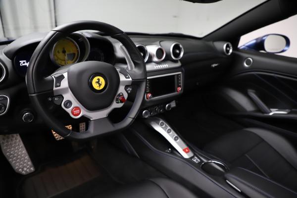 Used 2018 Ferrari California T for sale $185,900 at Bugatti of Greenwich in Greenwich CT 06830 17