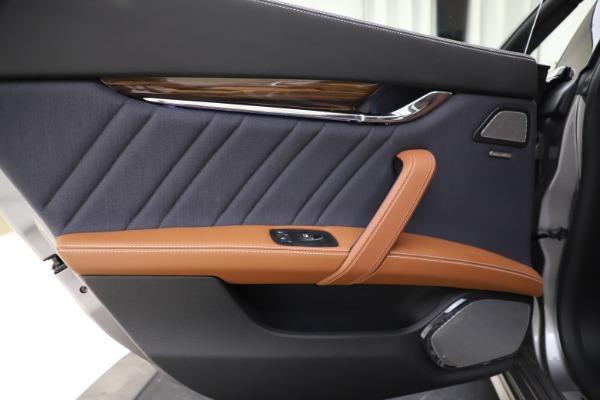 Used 2017 Maserati Quattroporte S Q4 GranLusso for sale $59,900 at Bugatti of Greenwich in Greenwich CT 06830 21