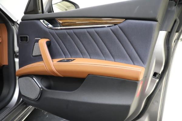 Used 2017 Maserati Quattroporte S Q4 GranLusso for sale $59,900 at Bugatti of Greenwich in Greenwich CT 06830 25