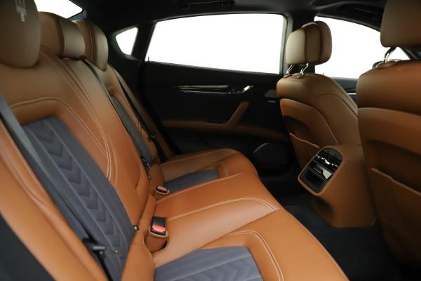 Used 2017 Maserati Quattroporte S Q4 GranLusso for sale $59,900 at Bugatti of Greenwich in Greenwich CT 06830 27