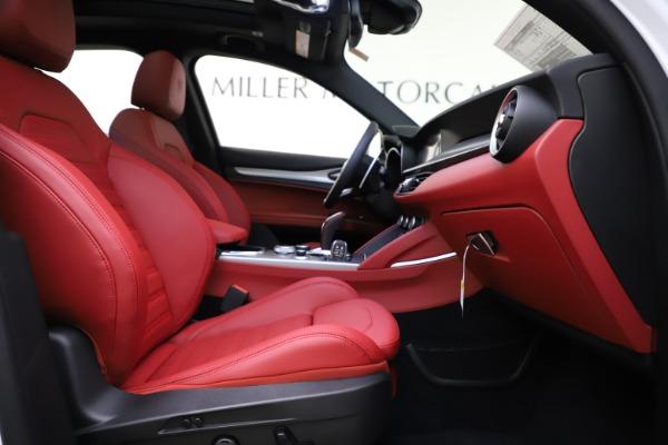 New 2020 Alfa Romeo Stelvio Ti Sport Q4 for sale Sold at Bugatti of Greenwich in Greenwich CT 06830 22