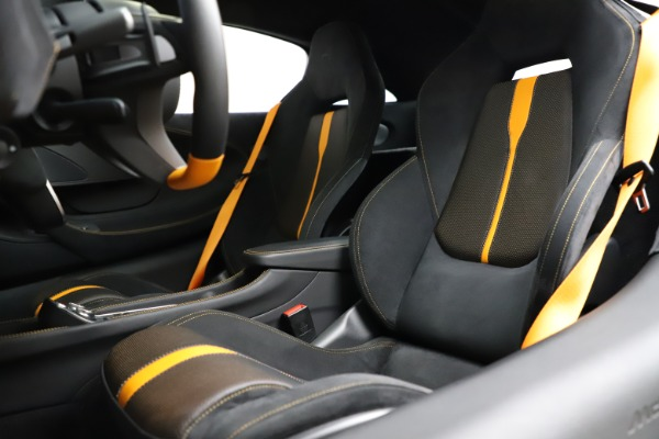 Used 2019 McLaren 570S for sale $177,900 at Bugatti of Greenwich in Greenwich CT 06830 18