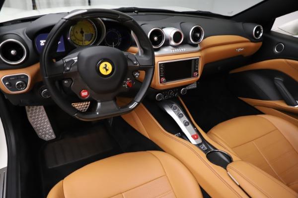 Used 2018 Ferrari California T for sale $169,900 at Bugatti of Greenwich in Greenwich CT 06830 17