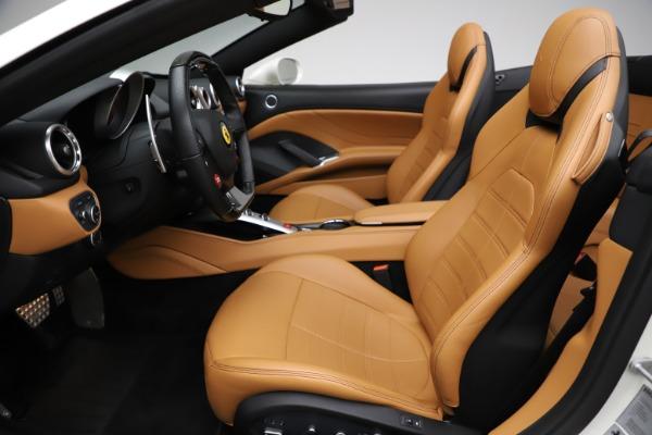 Used 2018 Ferrari California T for sale $169,900 at Bugatti of Greenwich in Greenwich CT 06830 18