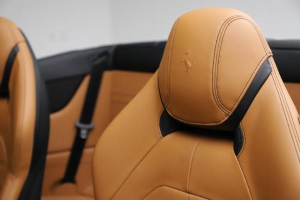 Used 2018 Ferrari California T for sale $169,900 at Bugatti of Greenwich in Greenwich CT 06830 20