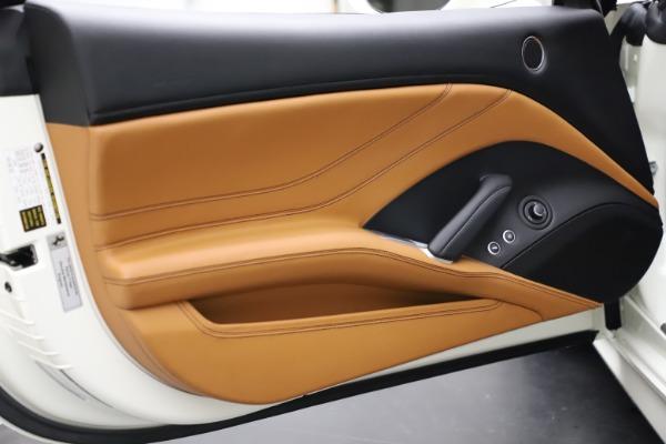 Used 2018 Ferrari California T for sale $169,900 at Bugatti of Greenwich in Greenwich CT 06830 28
