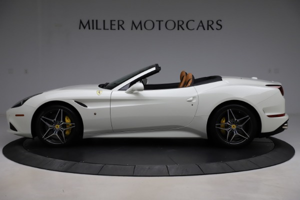 Used 2018 Ferrari California T for sale $169,900 at Bugatti of Greenwich in Greenwich CT 06830 3