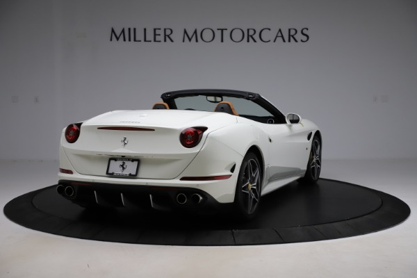 Used 2018 Ferrari California T for sale $169,900 at Bugatti of Greenwich in Greenwich CT 06830 7