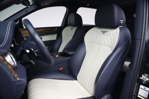 Used 2018 Bentley Bentayga W12 Signature Edition for sale $149,900 at Bugatti of Greenwich in Greenwich CT 06830 19