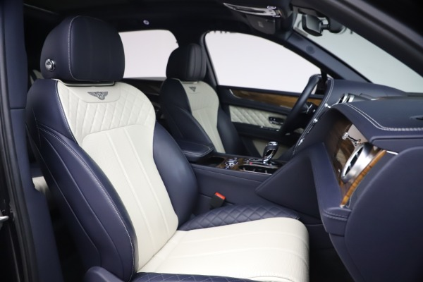 Used 2018 Bentley Bentayga W12 Signature Edition for sale $149,900 at Bugatti of Greenwich in Greenwich CT 06830 26