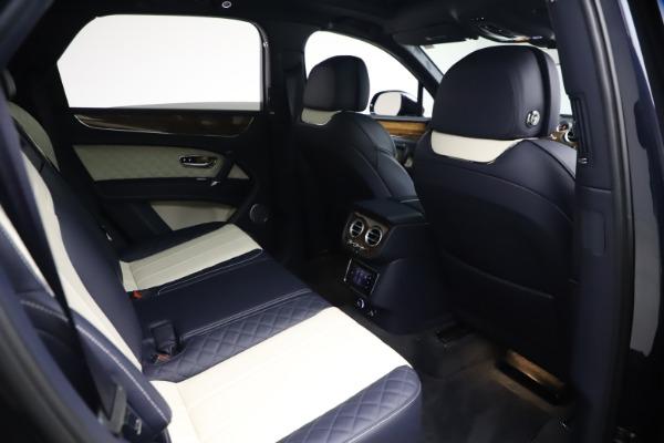Used 2018 Bentley Bentayga W12 Signature for sale $154,900 at Bugatti of Greenwich in Greenwich CT 06830 27