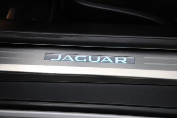 Used 2016 Jaguar F-TYPE R for sale $58,900 at Bugatti of Greenwich in Greenwich CT 06830 25