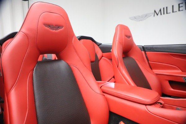 Used 2014 Aston Martin Vanquish Volante for sale $129,900 at Bugatti of Greenwich in Greenwich CT 06830 26