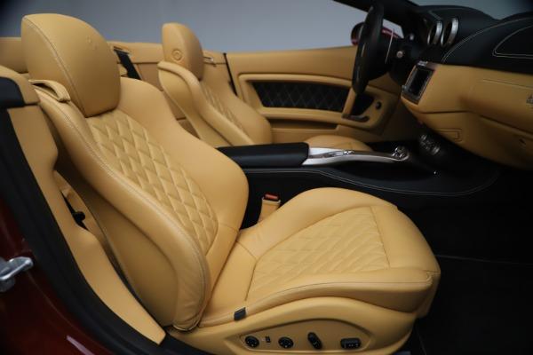 Used 2014 Ferrari California 30 for sale Sold at Bugatti of Greenwich in Greenwich CT 06830 25